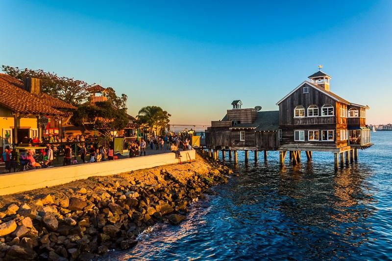 Shopping Seaport Village - San Diego
