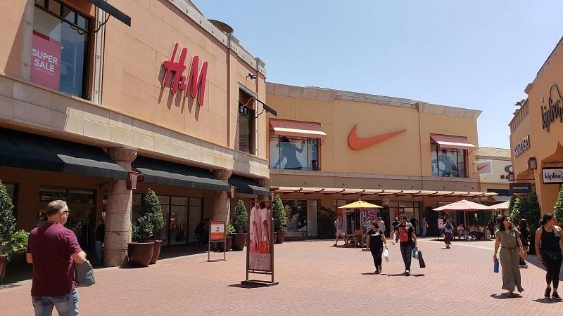 Citadel Outlets Los Angeles em Citadel Drive
