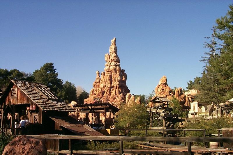 Frontierland: Disneyland California