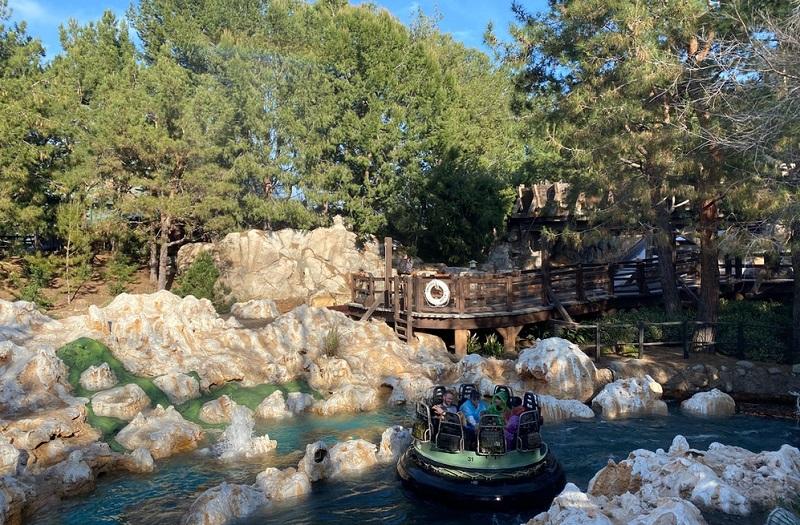 Grizzly River Run: Disney California Adventure Park