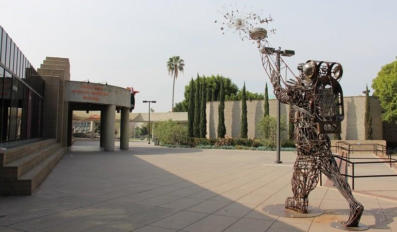 Informações sobre o California African American Museum em Los Angeles