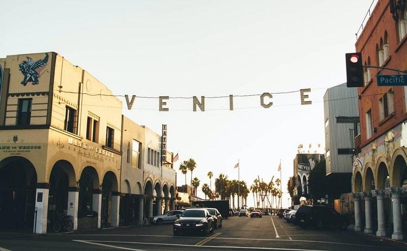 Ocean Front Walk em Venice Beach
