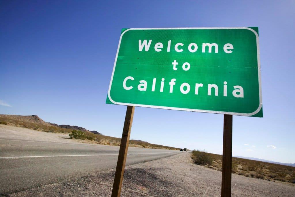 Placa de boas vindas na Califórnia