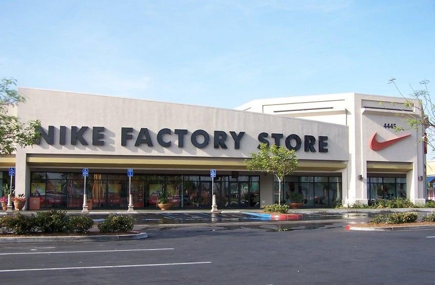 Nike Factory Store no Las Americas Premium em San Diego
