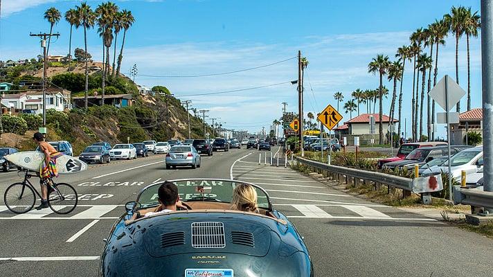 Placas sinalizadoras e regras de trânsito em Los Angeles