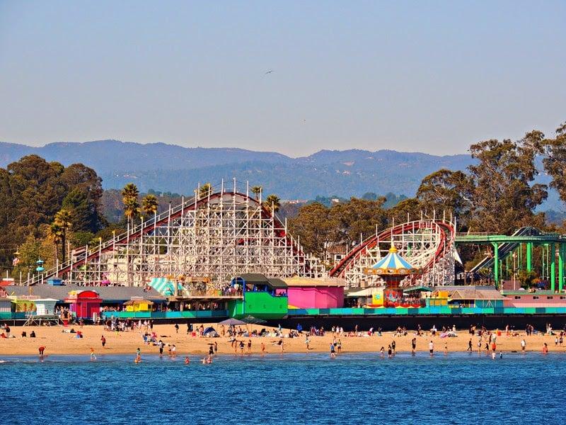 Ambiente do Parque Santa Cruz Beach Boardwalk na Califórnia
