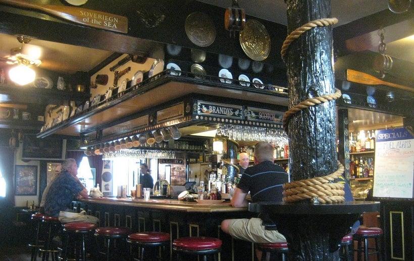 The Crown & Anchor (Pub) em Monterey