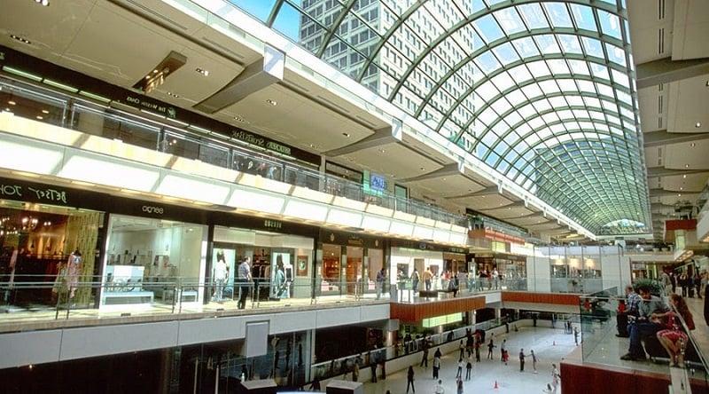 Lojas no Shopping Stonestown Galleria Mall em San Francisco