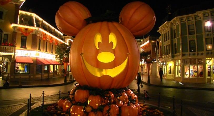 Halloween na Disneylandia na Califórnia