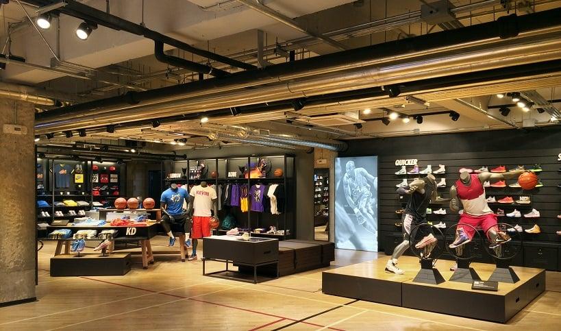 Loja Nike para comprar tenis de corrida em San Diego