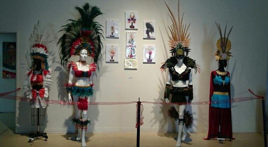 Artigos no Centro Cultural de La Raza em San Diego