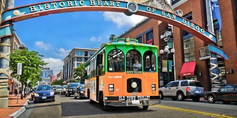Passeio de hop on hop off trolley em San Diego
