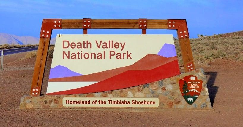 Entrada no Parque Nacional do Vale da Morte na Califórnia
