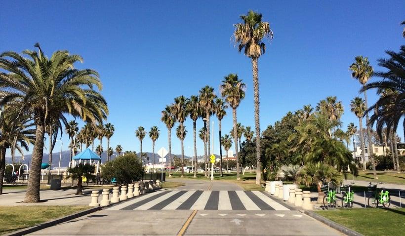 Curtir de bicicleta a 26-Mile Bike Path em Santa Mônica