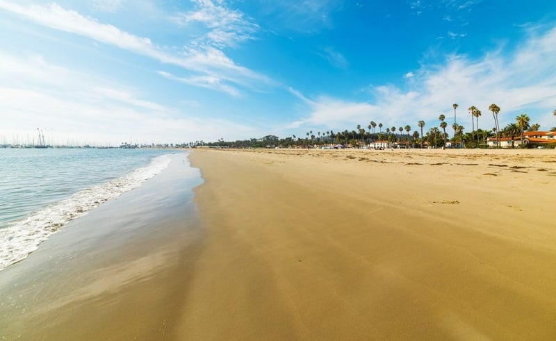 Diversão nas praias em Santa Bárbara