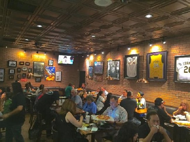 Restaurante Cortina's Italian Market & Pizzeria em Anaheim