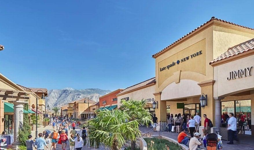 Compras no Cabazon Outlets nas proximidades de Palm Springs