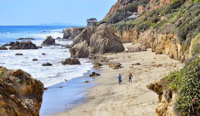 Praia El Pescador State Beach em Malibu