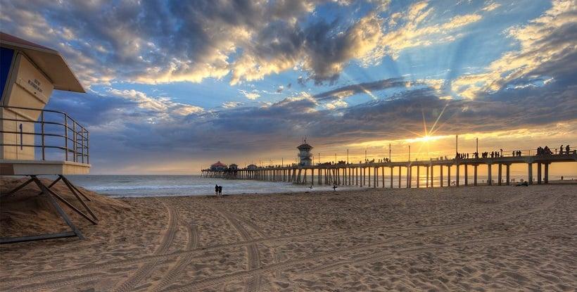 Praia Huntington Beach nas proximidades de Anaheim