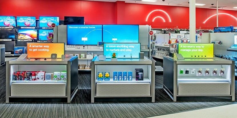 Comprar caixa de som JBL na rede de supermercados Target em San Francisco