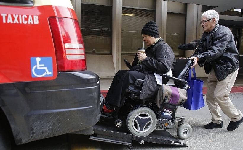 Dicas para deficientes físicos em transportes em San Diego