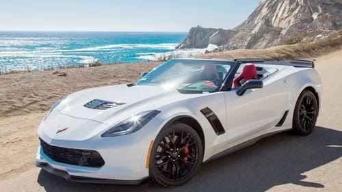 Vantagens de um aluguel de carro em Malibu