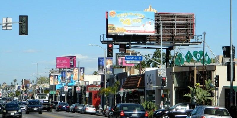Compras na Melrose Avenue próxima a Beverly Hills