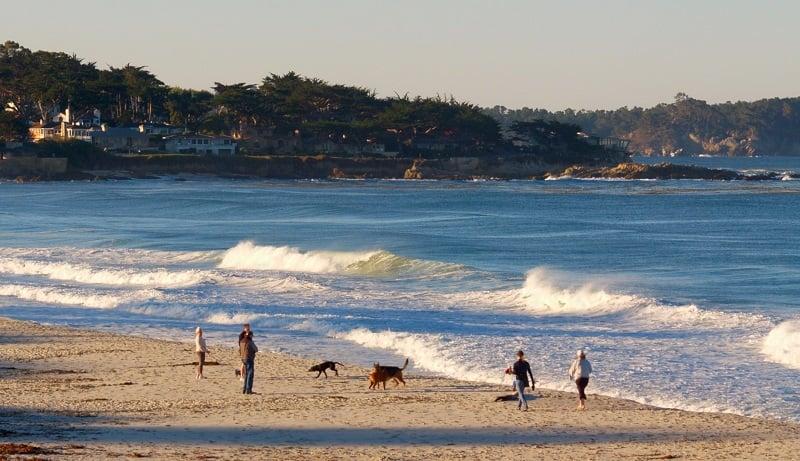 Ir com criança nas praias de Carmel