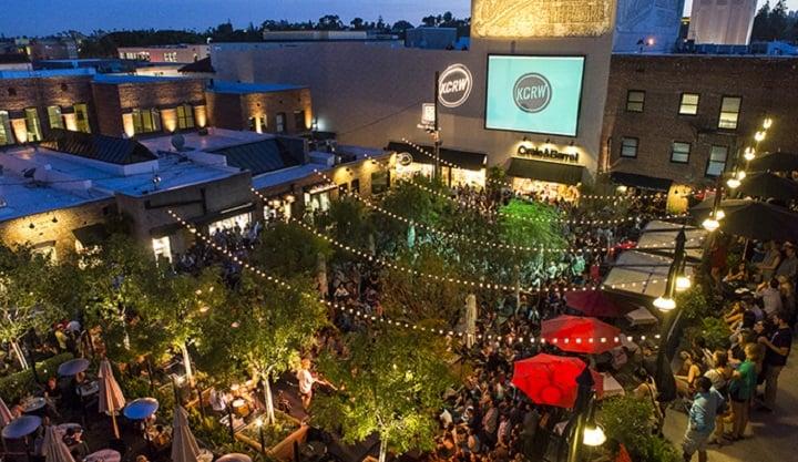 Noite no One Colorado em Pasadena