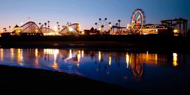 Noite no Santa Cruz Wharf em Santa Cruz