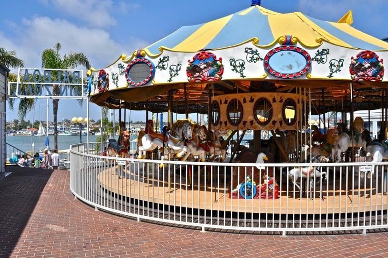 Balboa Fun Zone com criança em Newport Beach