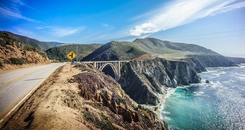 Viagem de carro na Califórnia