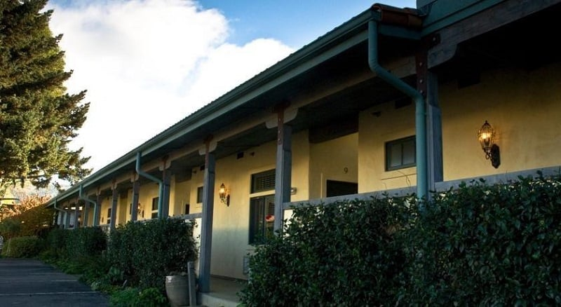 Hotel Sonoma Creek Inn
