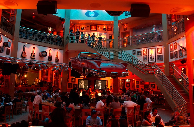 Diversão no Hard Rock Café Universal CityWalk Los Angeles
