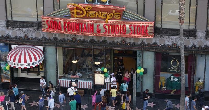 Fachada da Disney Store em Los Angeles