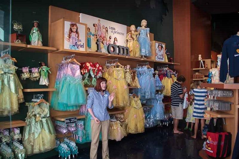 Produtos na Disney Store em San Francisco