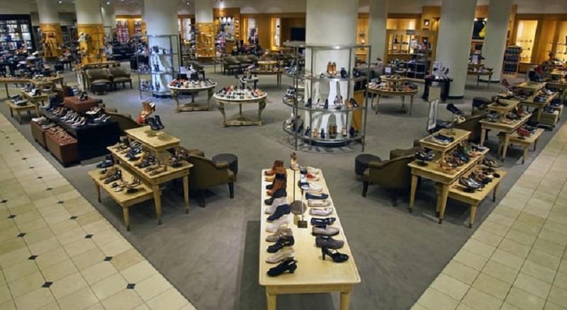Calçados na loja Nordstrom em San Diego