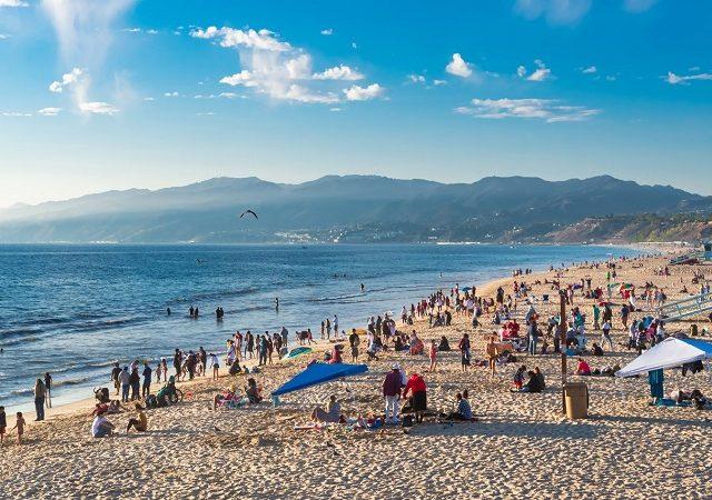 Meses de alta e baixa temporada em Santa Mônica