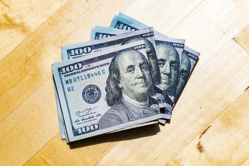 Dinheiro em espécie na Califórnia - Dólar