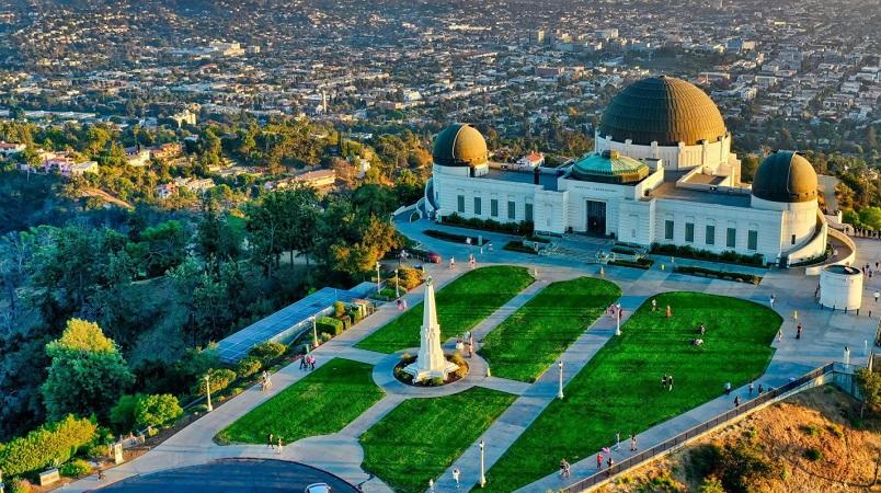 Melhor lugar para comprar dólares para a minha viagem a Los Angeles