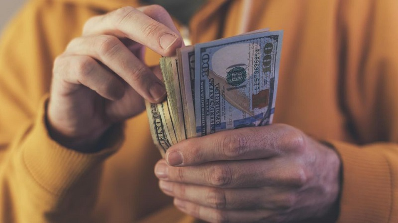 Dólares em espécie