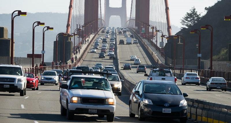Carros na Ponte Golden Gate - San Francisco