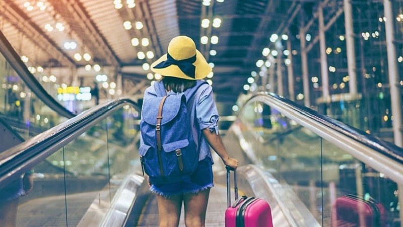 Turista indo viajar