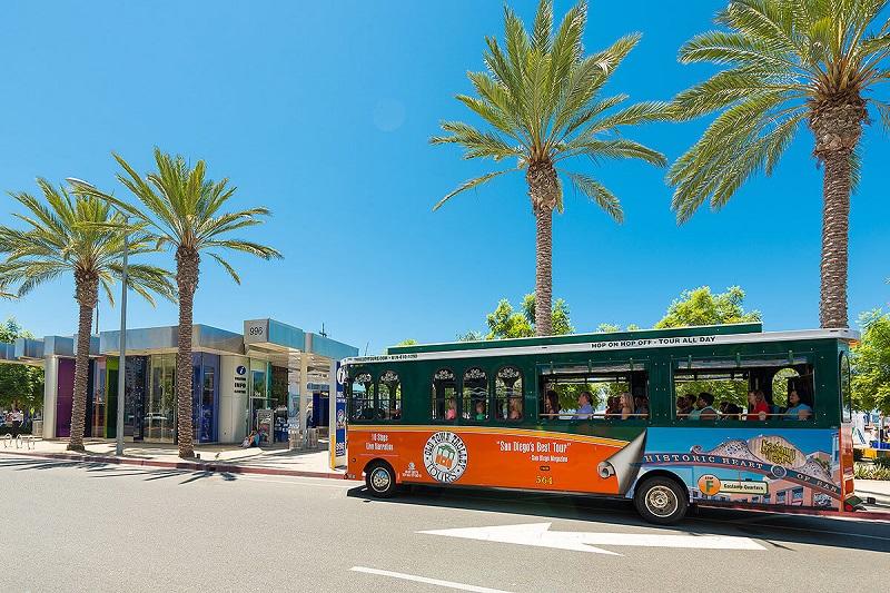 Ônibus turístico em San Diego