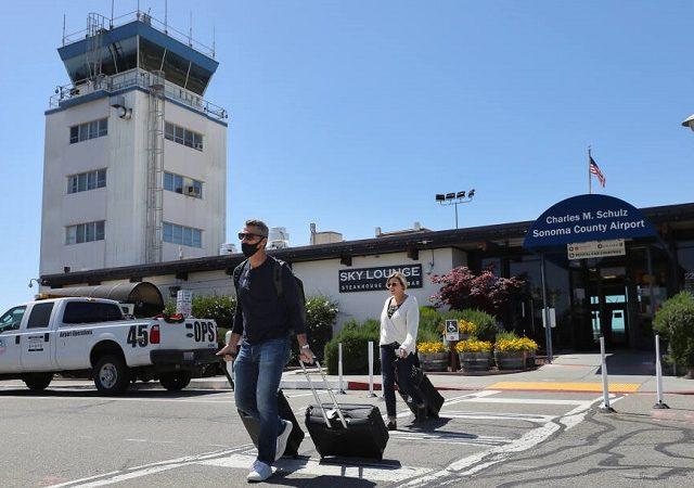 Transfer do aeroporto de Sonoma ao centro turístico