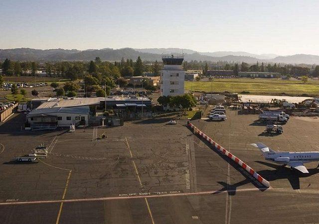 Como ir do aeroporto de Sonoma ao centro turístico
