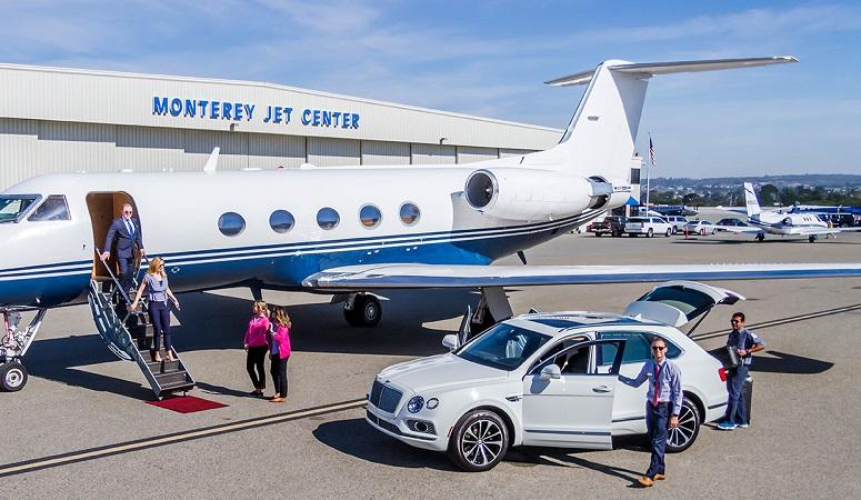 Como ir do aeroporto de Monterey ao centro turístico