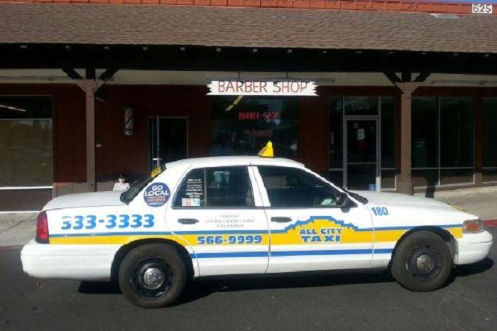 Táxi do aeroporto de Sonoma ao centro turístico